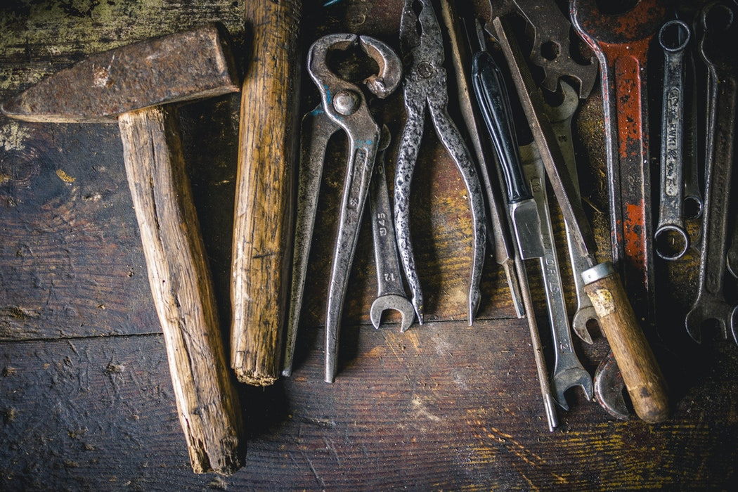 5 Effective Ways to Clean Hand Tools